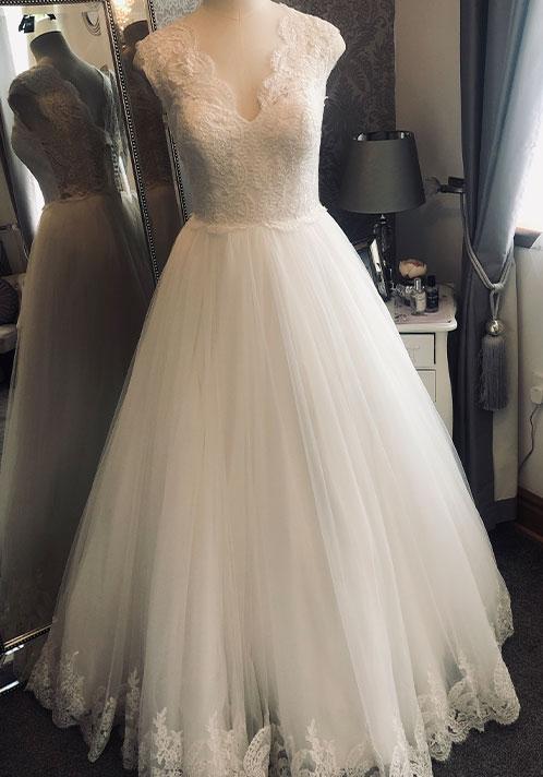 Signature Dress: 83081