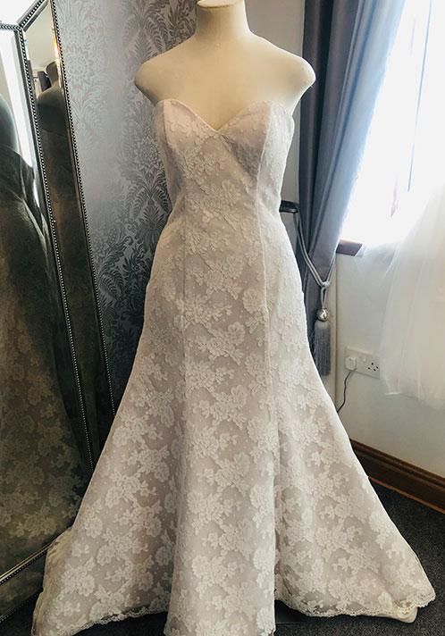 Signature Dress: 9501